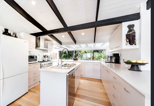 231 Frasers Road kitchen