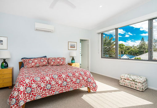 5 beachside drive guest bed
