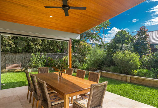 5 beachside drive outdoor dining