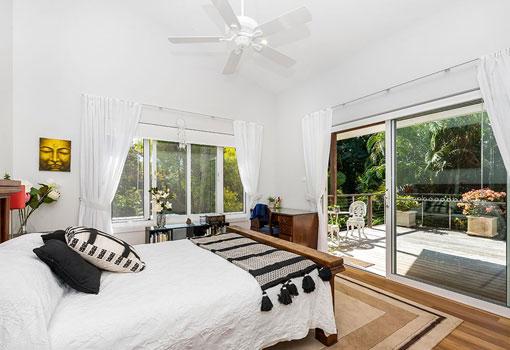 55 bay lane bed